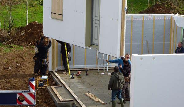 Natilia, Premier Réseau De Constructeurs De Maisons Ossature Bois, Vous  Propose Des Maisons Qui Allient économie Et écologie, Notamment Grâce à ...